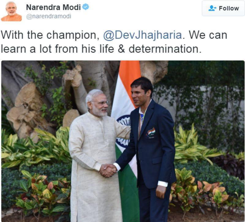 PM Modi with gold medallist Devendra Jhajharia. (Photo: Narendra Modi/Twitter)