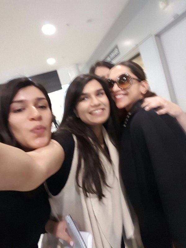 Deepika Padukone spotted with fans at the Toronto airport