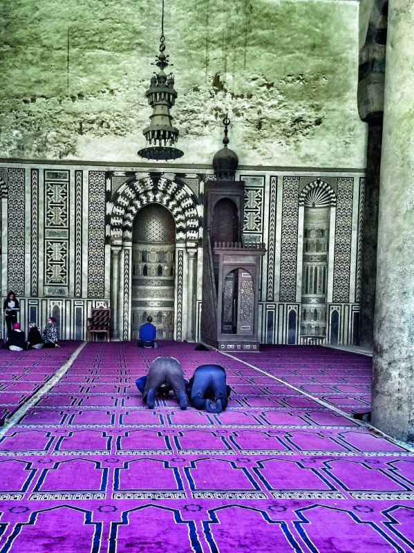 Locals offering prayers at Alabaster Mosque (Photo: Aditi Pancholi Shroff )