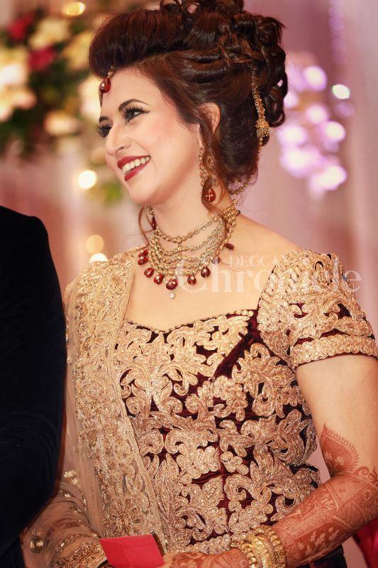 Divyanka tripathi engagement dress pictures