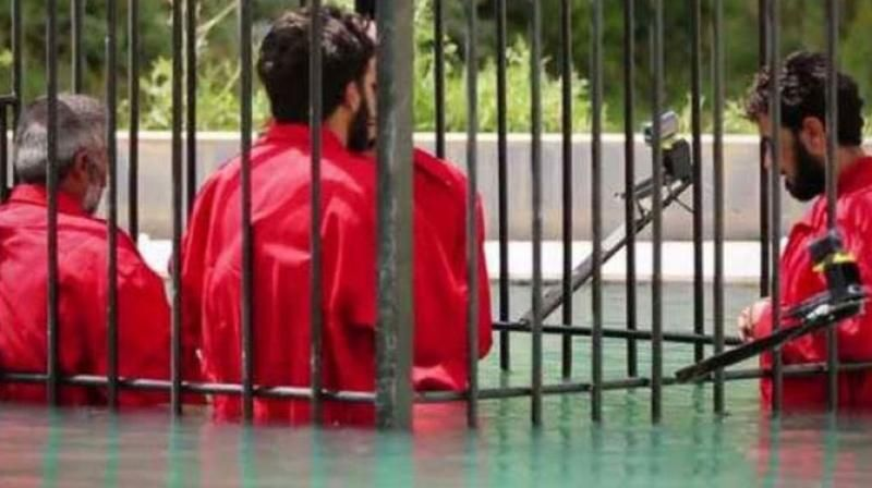 Islamic State's new execution method: Crushing prisoners to death