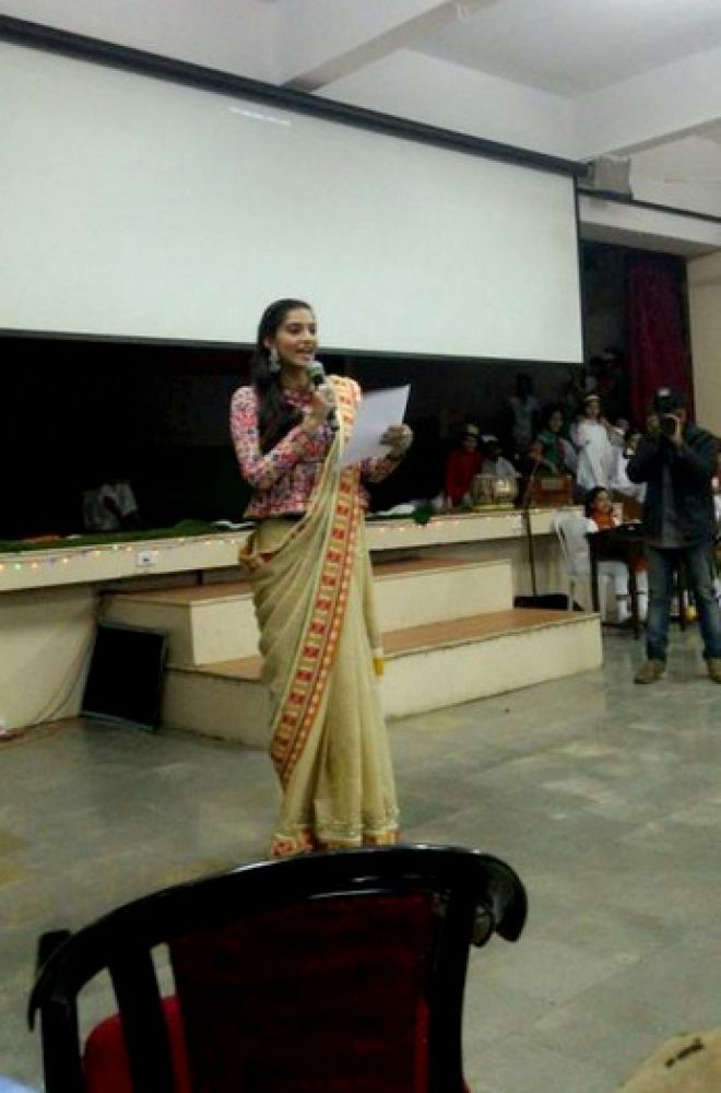 Sonam also delivered an inspiring speech.