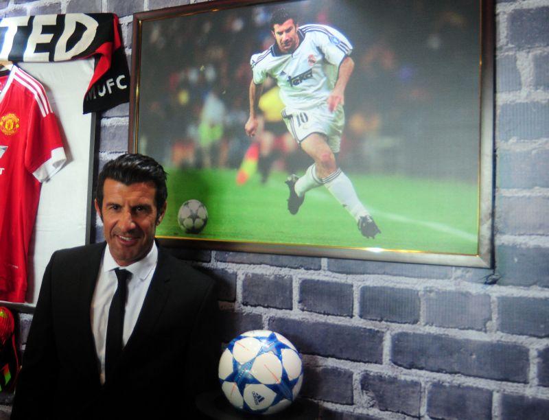 Luis Figo looked dapper during the launch of Premier Futsal. (Photo: Debasish Dey/DC)