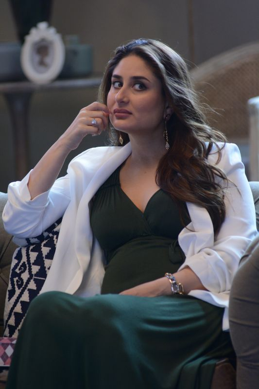 Kareena says it is because of Manish Malhotra that the look of Geet became so popular.
