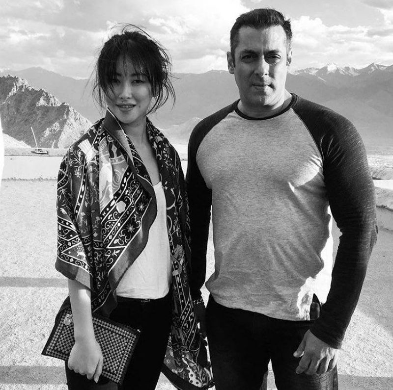 Zhu Zhu snapped with co-star Salman Khan in Ladakh.