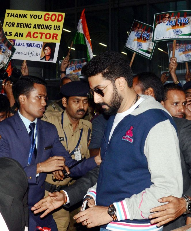 Bollywood star Abhishek Bachchan arrives at Kolkata airport for the match. (Photo: PTI)