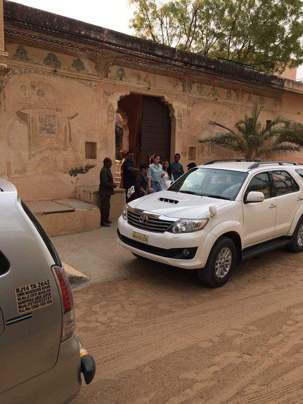 Upon reaching Rajasthan, Anushka Sharma went on sight seeing.