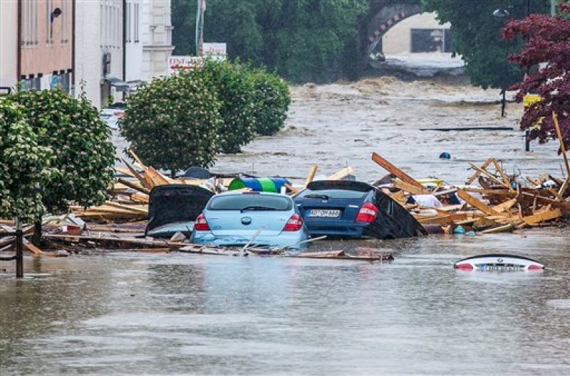 Panic grips France, Germany as flash floods wreak havoc