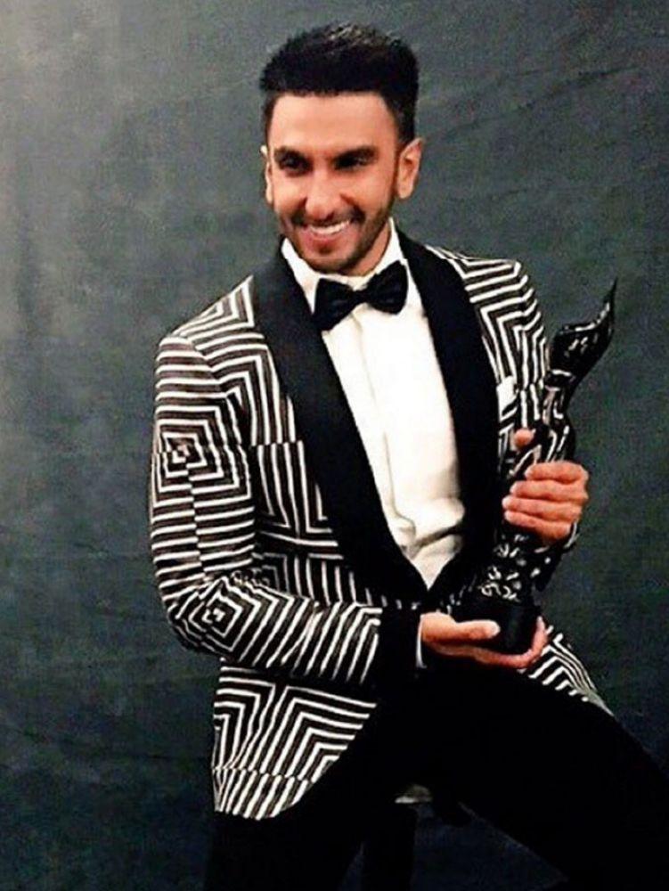 Ranveer Singh poses with his Best Actor award.