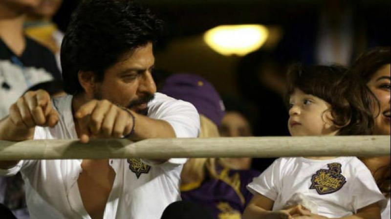 shah rukh khan and abram�s secret shopping trip goes wrong