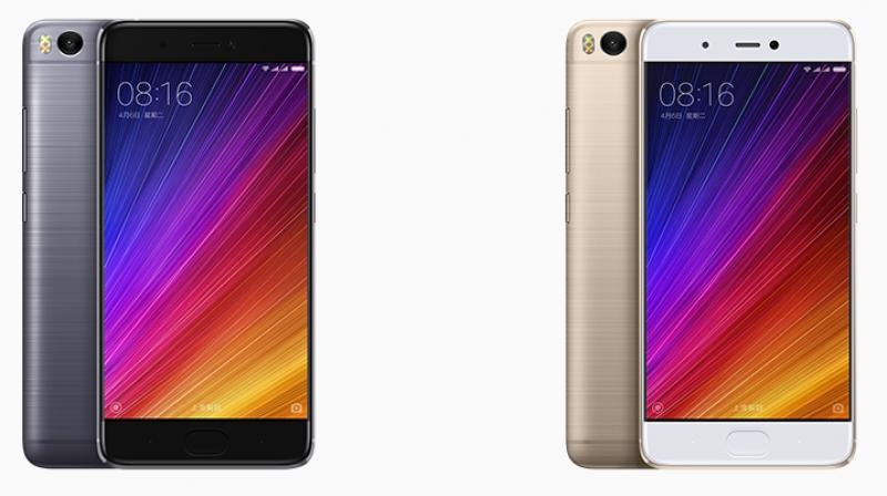 Both smartphones will be available in four colours, namely Gold, Rose Gold, Silver, and White.