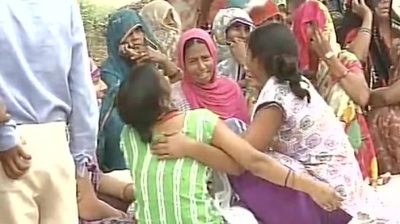 Family mourns Dadri lynching accused Ravi's death. (Photo: ANI Twitter)