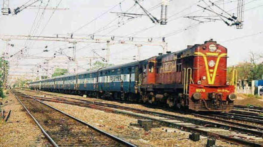 Delhi-Agra train fare less than one kg of apples: Railways