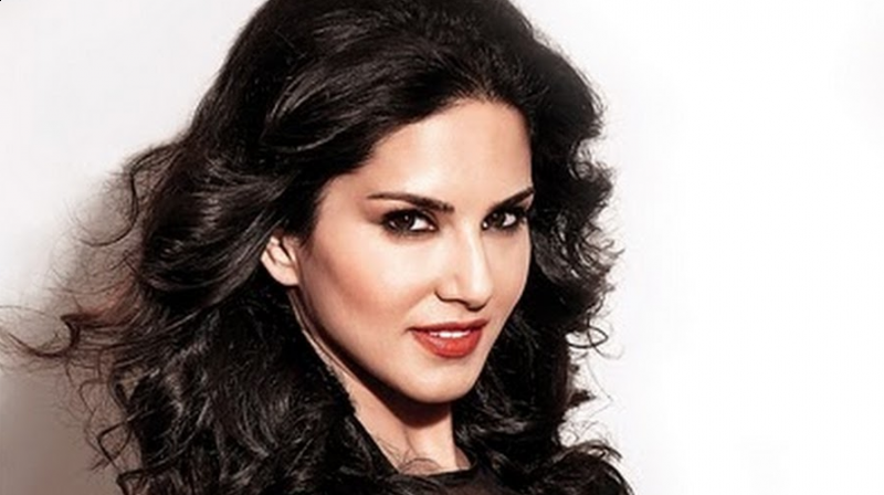 journalist tried to target sunny leone on her past and