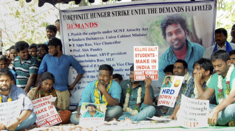 Students protesting after the suicide of dalit student Rohith Vemula at Hyderabad Central University in Hyderabad (Photo: PTI)
