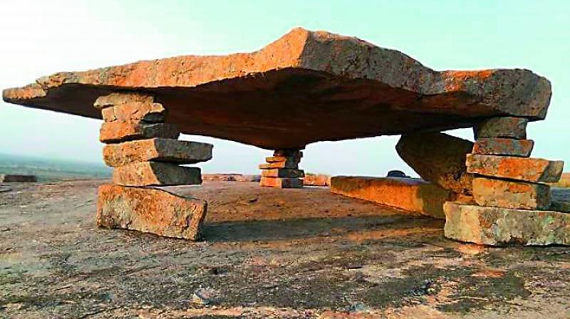 The dolmen on the mudu kalla mancham gutta
