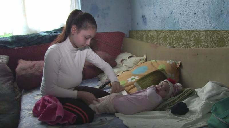 Mothers At 15, Pregnant Teenagers Of Romania Tell Their Tale-4106