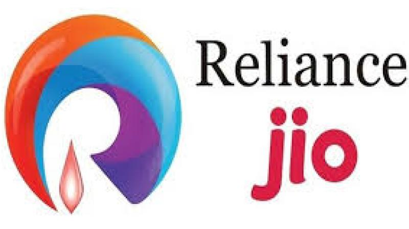 Jio's 4G services include unlimited voice calls and video calls, unlimited SMS, unlimited 4G mobile broadband and applications like JioOnDemand (for movies), JioLive (for live TV shows), JioXpressNews and the like.