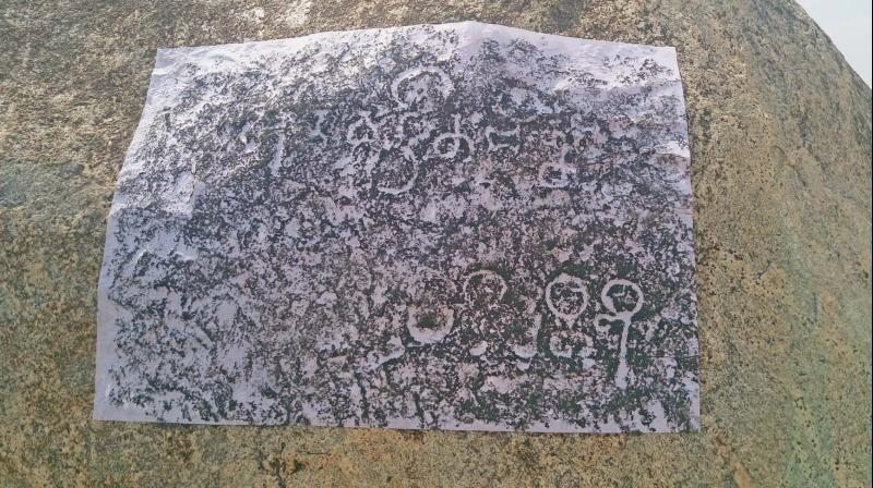 Pallava grantha inscription found in Mahendravadi.  (Right) Pallava grantha letters found in Mahendravadi. (Photo: DC)