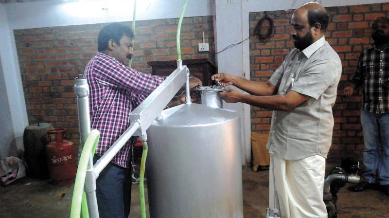 Kerala man makes petrol from plastic waste
