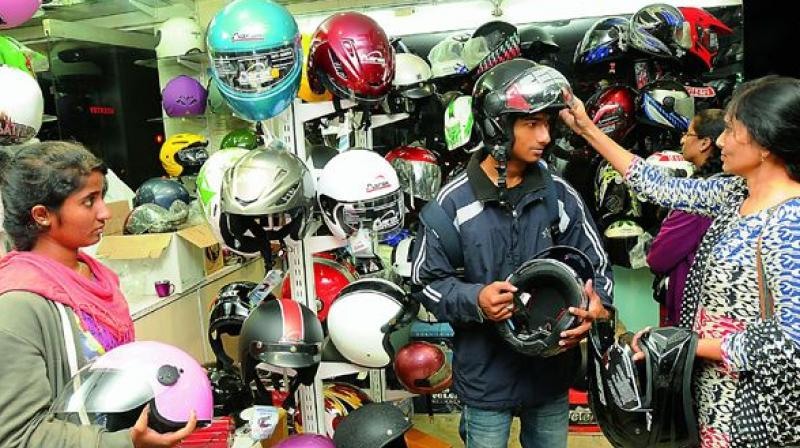 As per the recent notification issued by the Road Transport and Highway Ministry on August 2nd, manufacture, storage and sale of non-Indian standard (NON-ISI) helmets for two-wheelers will lead to arrest without warrant.