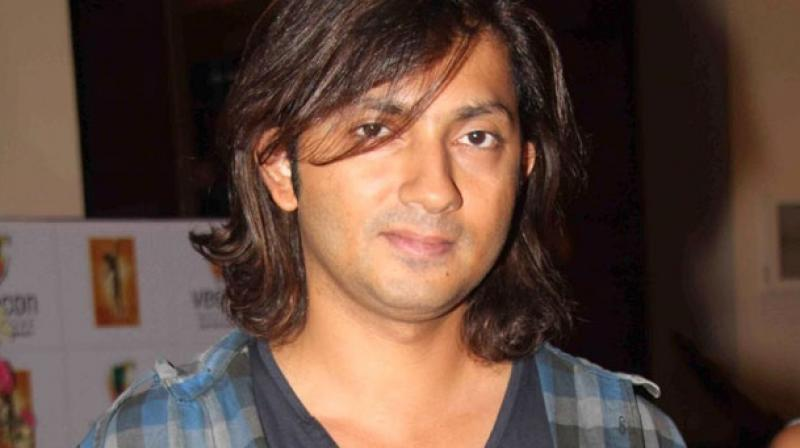 The exchange of tweets between filmmaker Shirish Kunder and LG Electronics is making Tweeratis burst out in laughter. (Photo: File)