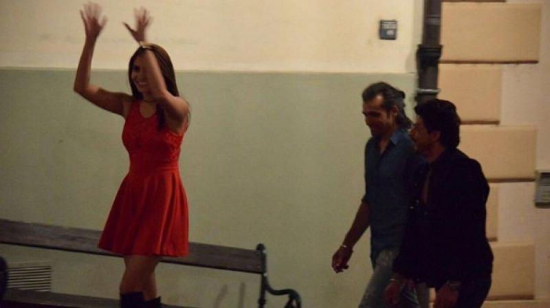 Anushka along with SRK from the sets of Imtiaz Ali's next.