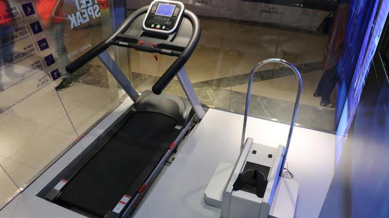 asics running machine