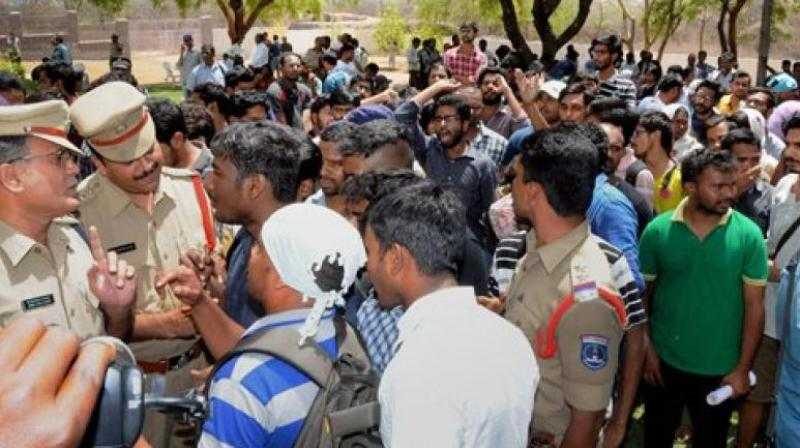 Since the university administration has imposed a blockade on the campus preventing students to contact anyone from outside, 'Chalo HCU' call is also against the imposed blockade on the university. (Photo: PTI)