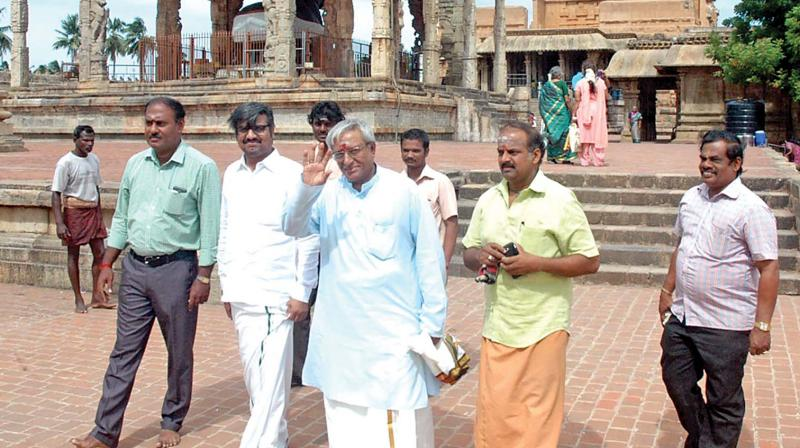 Satyanarayana, brother of super star Rajinikanth at Big temple in Thanjavur on Monday. (Photo: DC)