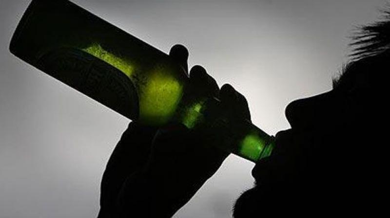ieters were 1.6 times more likely to smoke and skip breakfast, and 1.5 times more likely to smoke and engage in binge drinking. (Photo: File)