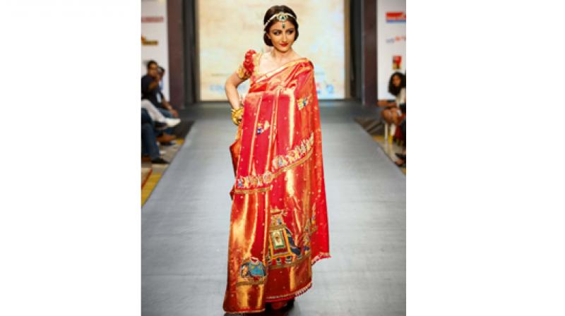 Soha Ali Khan walking the ramp at the previous editon of the Mysore Fashion  Week.