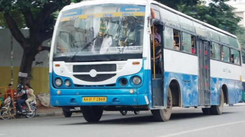A Conductor Of Metro Transport Corporation Bus Route Number M 52 Was Stabbed