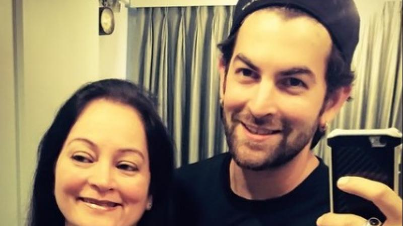 Neil Nitin Mukesh is the son of singer Nitin Mukesh. here seen with his mother Nishi Mukesh.