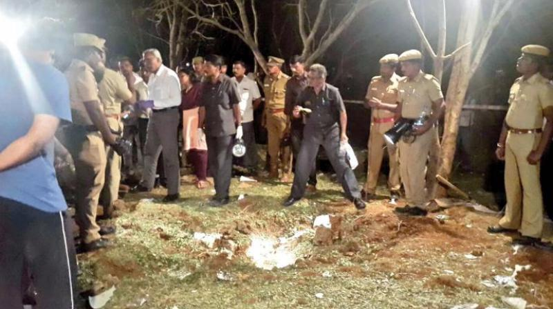 Forensic experts and bomb detection squad looking for clues at the scene in Nattrampally in Vellore where a meterorite fell with an explosion (Photo: DC)