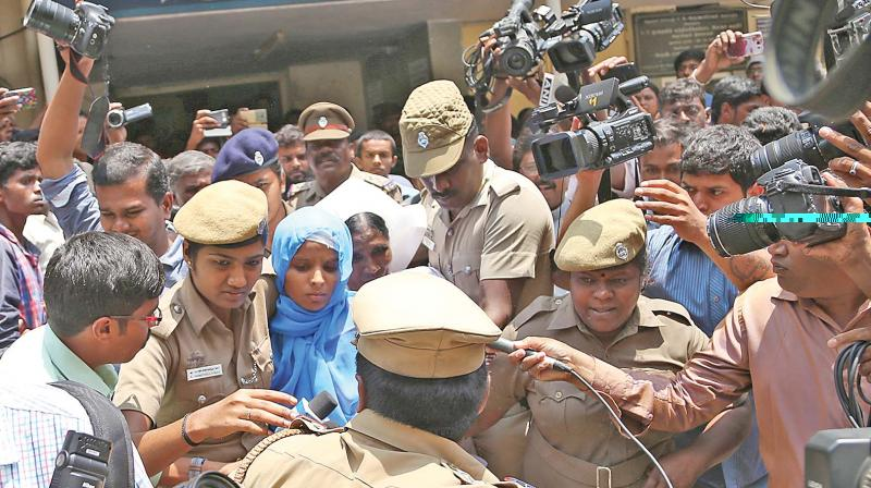 Kausalya who was under treatment at CMCH, being  taken to the court from Coimbatore GH on Monday with heavy police protection. (Photo: DC)