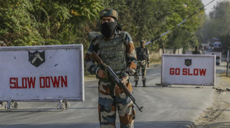 Kashmir has witnessed a spurt in incidents of militants snatching and looting weapons from police personnel. (Photo: AP/Representational)