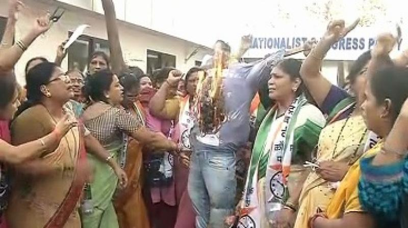 NCP women's wing protest against Tanmay Bhatt's recent spoof on Lata Mangeshkar and Sachin Tendulkar. (Photo:ANI)