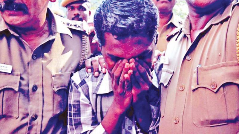 Ramkumar, suspect in Swathi murder case being taken back to Puzhal prison. (Photo: DC)