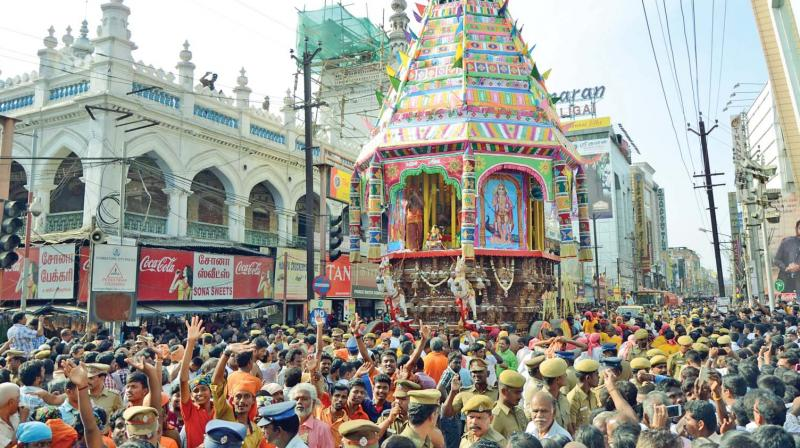 Devotees at the car festival of Koniamman temple in Coimbatore on Wednesday (Photo: DC)
