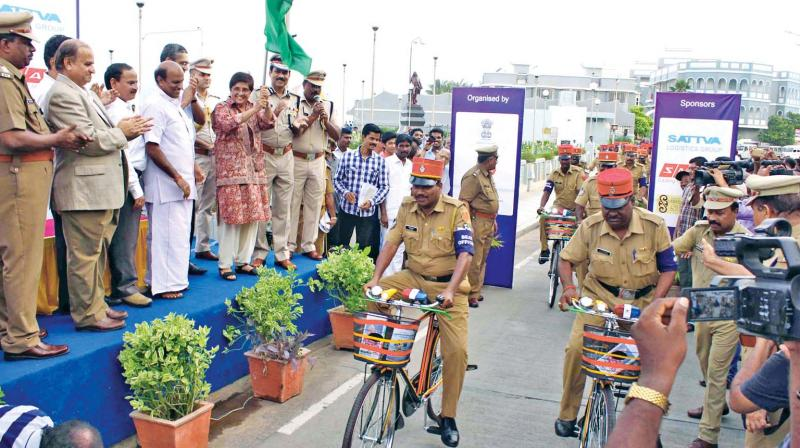 Lt Governer Kiran Bedi flags off cycle patrol team
