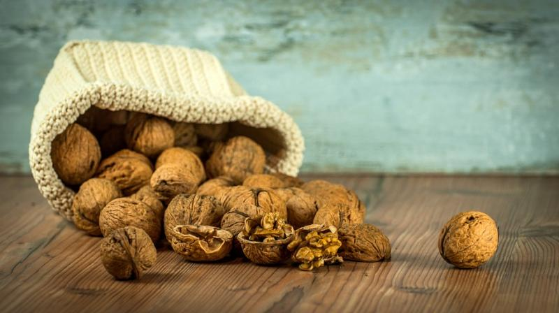 Eat Walnuts Everyday To Keep Colon Cancer At Bay