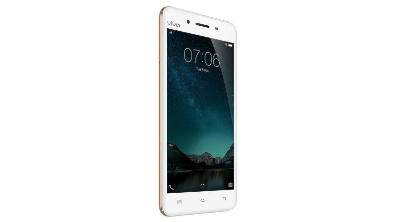 Featuring dual charging engines, this device has a decent battery life with a 2550mAh battery. Priced Rs 14,980, the Vivo V3 is good value for music lovers.