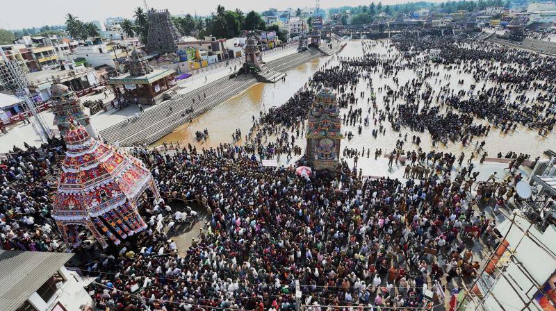 Devotees take part in the Chariot procession of Lord Shiva near the Kumbakonam Mahamaham pond on the occasion of the Mahamaham festival 2016 in Kumbakonam, Tamil Nadu (Photo: AP)
