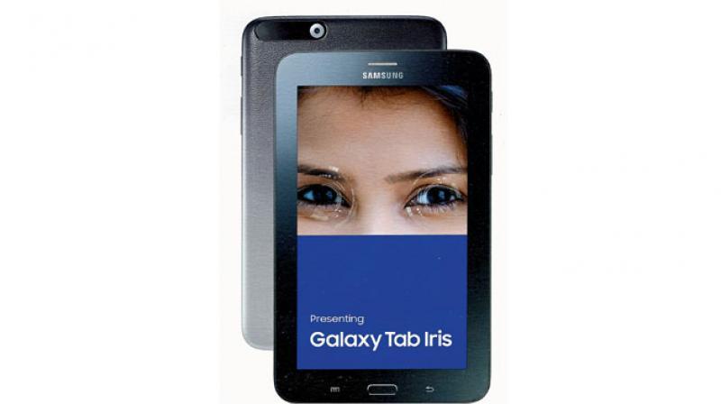 Samsung Galaxy Tab Iris provides  8 GB storage and is expandable to 200 GB