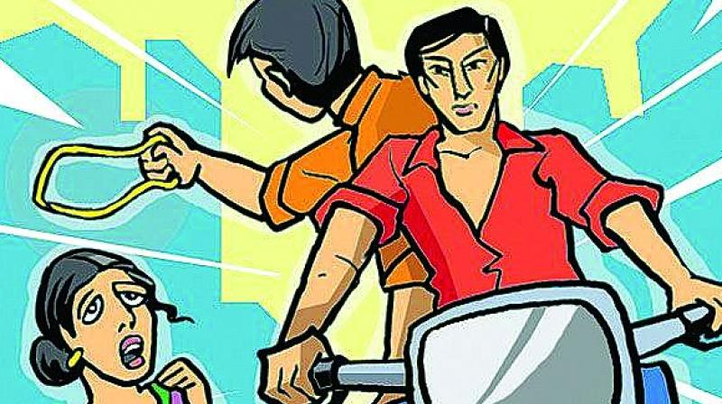 The police has cracked down on chain-snatching in a big way. They have used technology to nab chain-snatchers. vastly bringing down the number of cases. (Representational image)