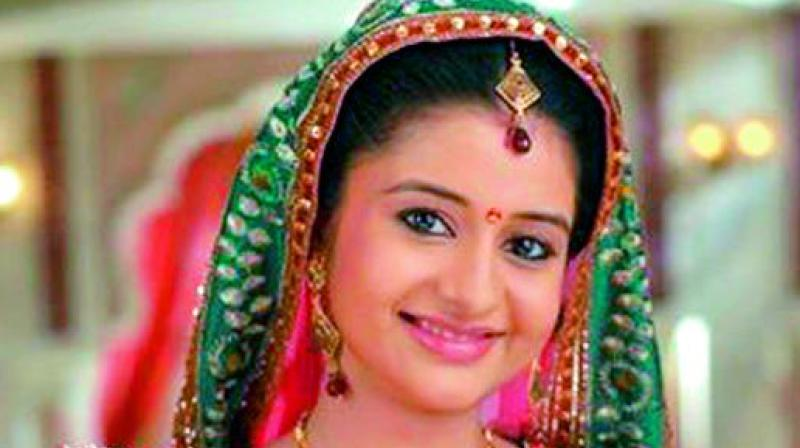 According to sources close, Sheetal Khandal, who played the role of Gehna in Balika Vadhu is the front-runner for the role of Angoori and has even done a mock shoot for the show.