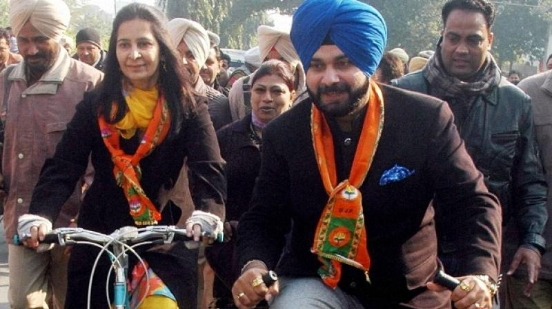 Navjot Singh Sidhu with wife Navjot Kaur Sidhu. (Photo: PTI)