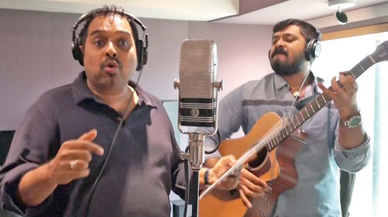 Amaresh (right and below) with Shankar Mahadevan