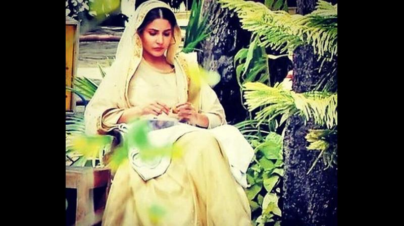 Anushka Sharma snapped on the set of 'Phillauri'.